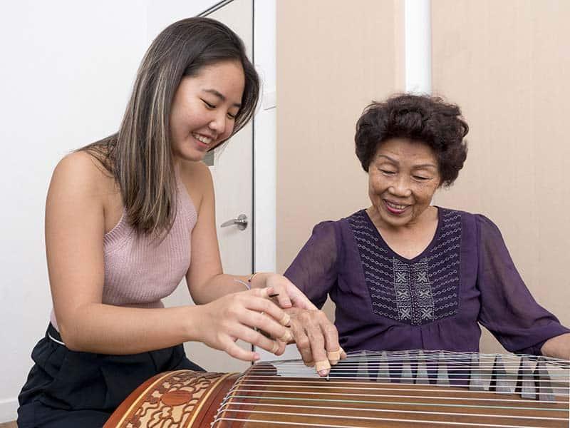 Guzheng lesson with teacher Jerica